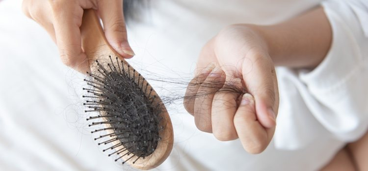 Caída del cabello tras el cepillado