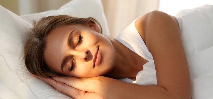 Dormir ocho horas diarias evita la pérdida excesiva del cabello