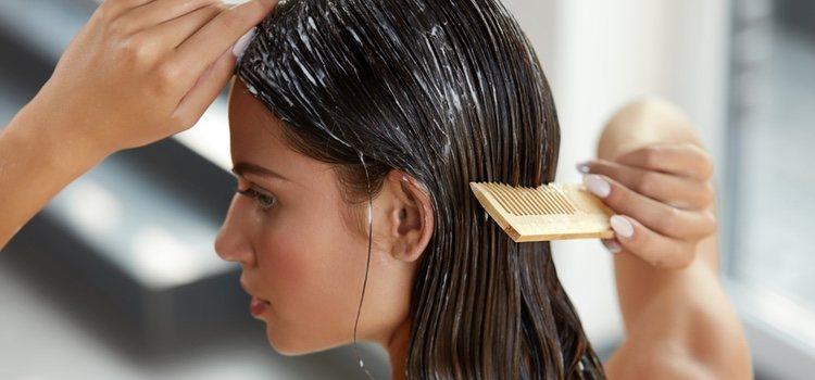 El uso de un buen champú es clave para combatir la caída del cabello