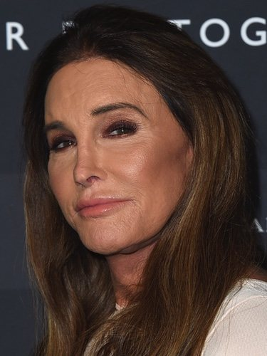 Caitlyn Jenner con un maquillaje excesivo