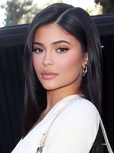 Kylie Jenner con un beauty look espectacular