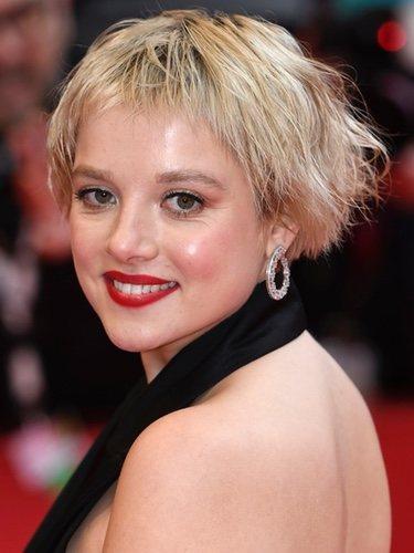 Jella Haase falla con el peinado para la Berlinale