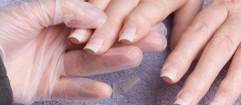 Colocar las uñas de gel lleva unos 30 minutos por mano
