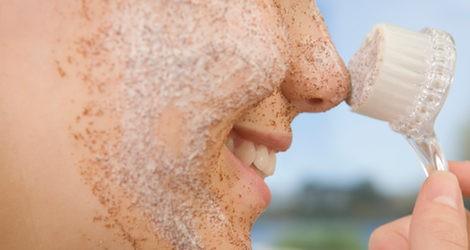 Aplicación del exfoliante facial