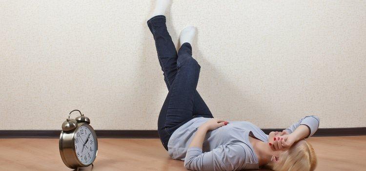 Colocar media hora al día las piernas hacia arriba te aliviará