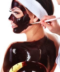 Descubre cómo aplicar una mascarilla de chocolate en tu piel