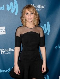 Jennifer Lawrence luce melena 'midi'