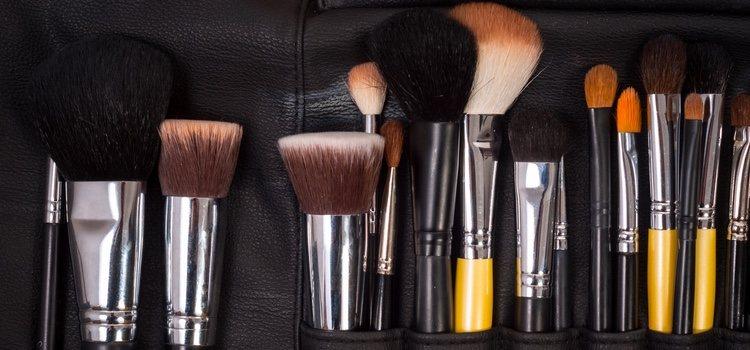 En función del tamaño de tu neceser puedes incluir más o menos utensilios