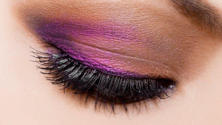 El maquillaje influye en la forma del ojo