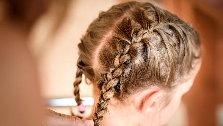 Las coletas y las trenzas son el peinado más cómodo para las niñas