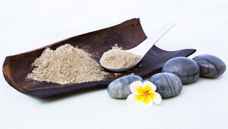 La arcilla blanca en polvo es ideal para la elaboración de mascarillas