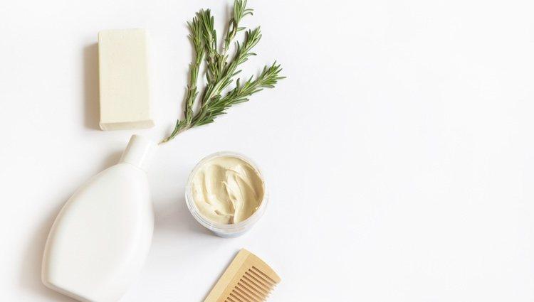 El champú de arcilla es ideal para limpiar el cuero cabelludo en profundidad