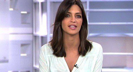 Sara Carbonero con el pelo moreno y melena midi