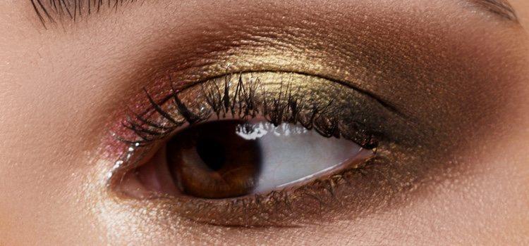 El dorado es un color muy recomendable para los ojos marrones