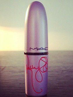 Pintalabios de MAC firmado por Kelly Osbourne