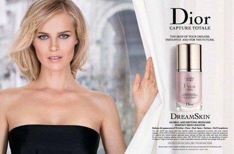 Eva Herzigová, protagonista de la nueva campaña de Dior