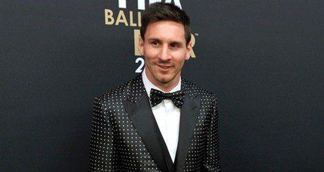 Leo Messi con un traje de lunares de Dolce&Gabbana