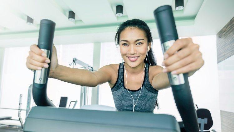 Para ir al gym olvídate por completo de polvos compactos y colorete