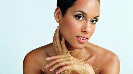Alicia Keys posa para Givenchy Parfums