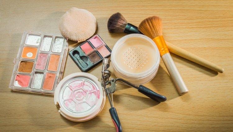 El maquillaje hace maravillas para disimular y ocultar imperfecciones