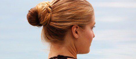 El cloro afecta más a los cabellos claros