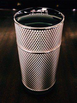 Dunhill Icon presenta su nueva fragancia con un diseño muy elegante y sencillo para su nuevo frasco