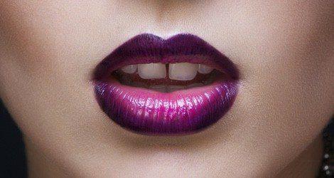 Atrévete con los labios en degradado combinando colores como el rosa y el morado