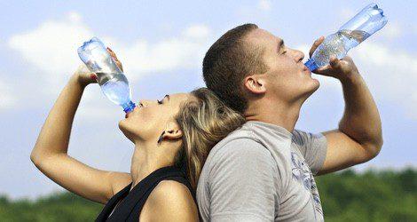 Es importante que nuestro cuerpo esté hidratado durante todo el año, y no solo en verano