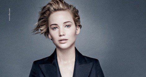 Jennifer Lawrence posando con la campaña Miss Dior