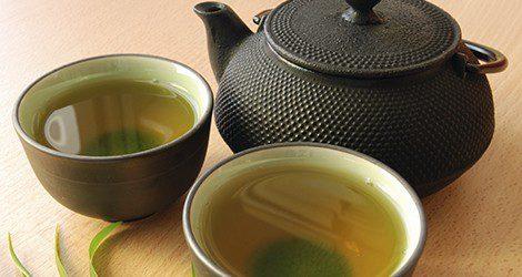 El té verde también tiene propiedades antioxidantes y ayuda en el tratamiento de la artritis