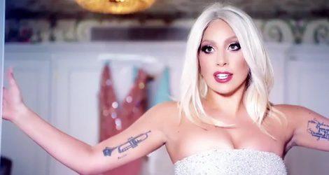 Lady Gaga durante el spot de la campaña de Shiseido