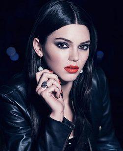 Kendall Jenner presume de mirada con Estée Lauder