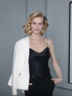 Eva Herzigová ejerce de embajadora de Dior