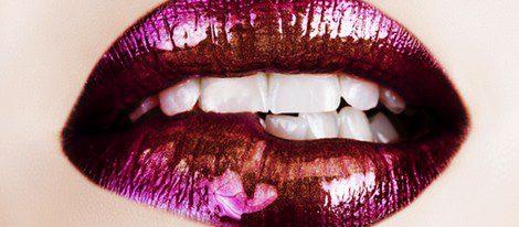 Utiliza el gloss para unos labios más brillantes y jugosos