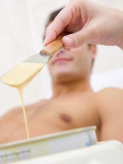 La crema depilatoria y la cera son buenas opciones