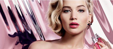 Jennifer Lawrence en el cartel publicitario de Ultra-Gloss para Dior Addict