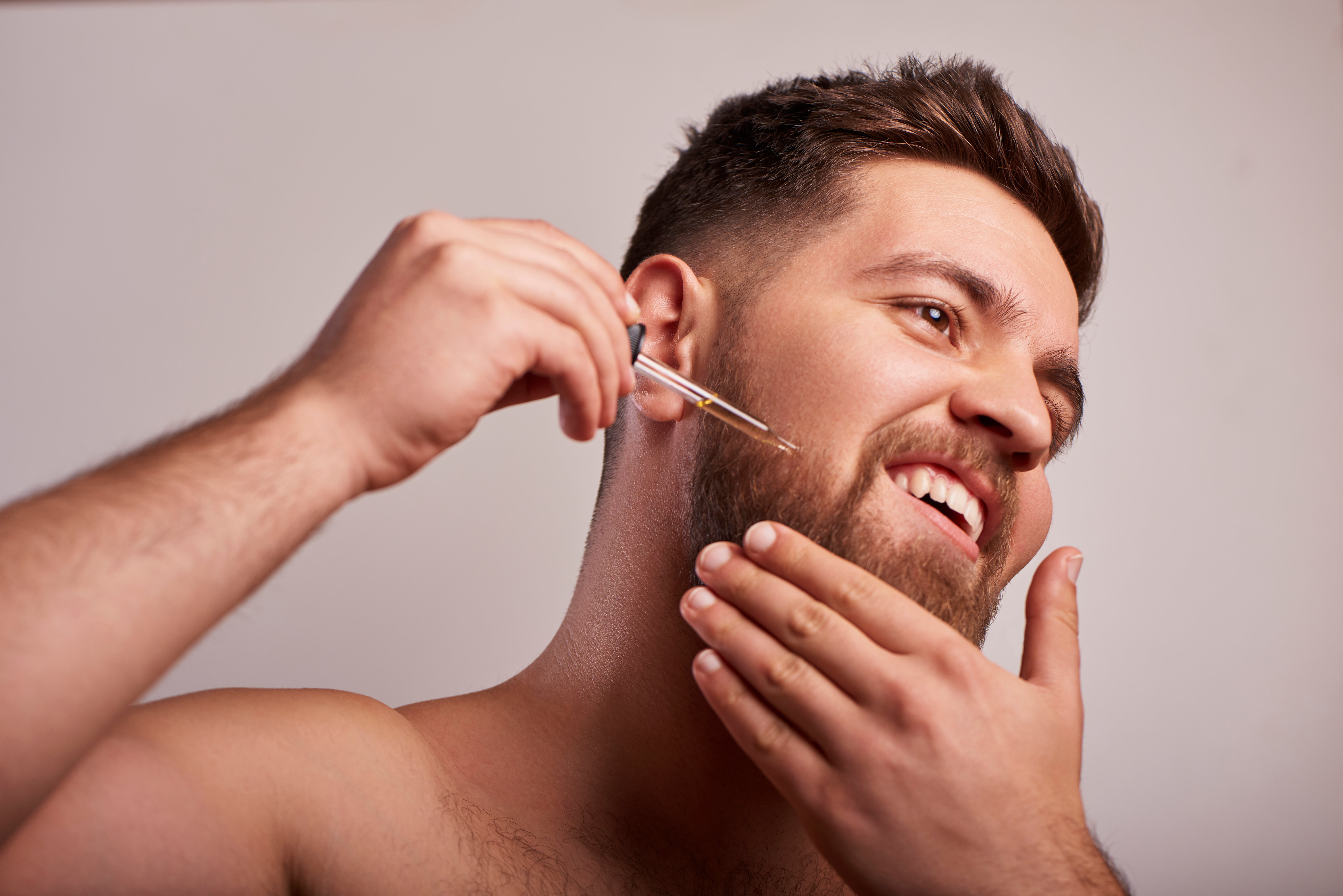 Lava tu barba regularmente para el cuidado