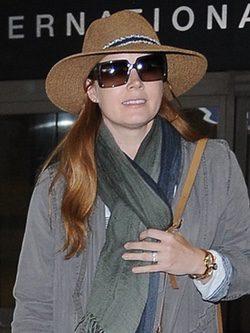 La piel de Amy Adams necesita hidratación