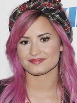 Demi Lovato con el pelo rosa