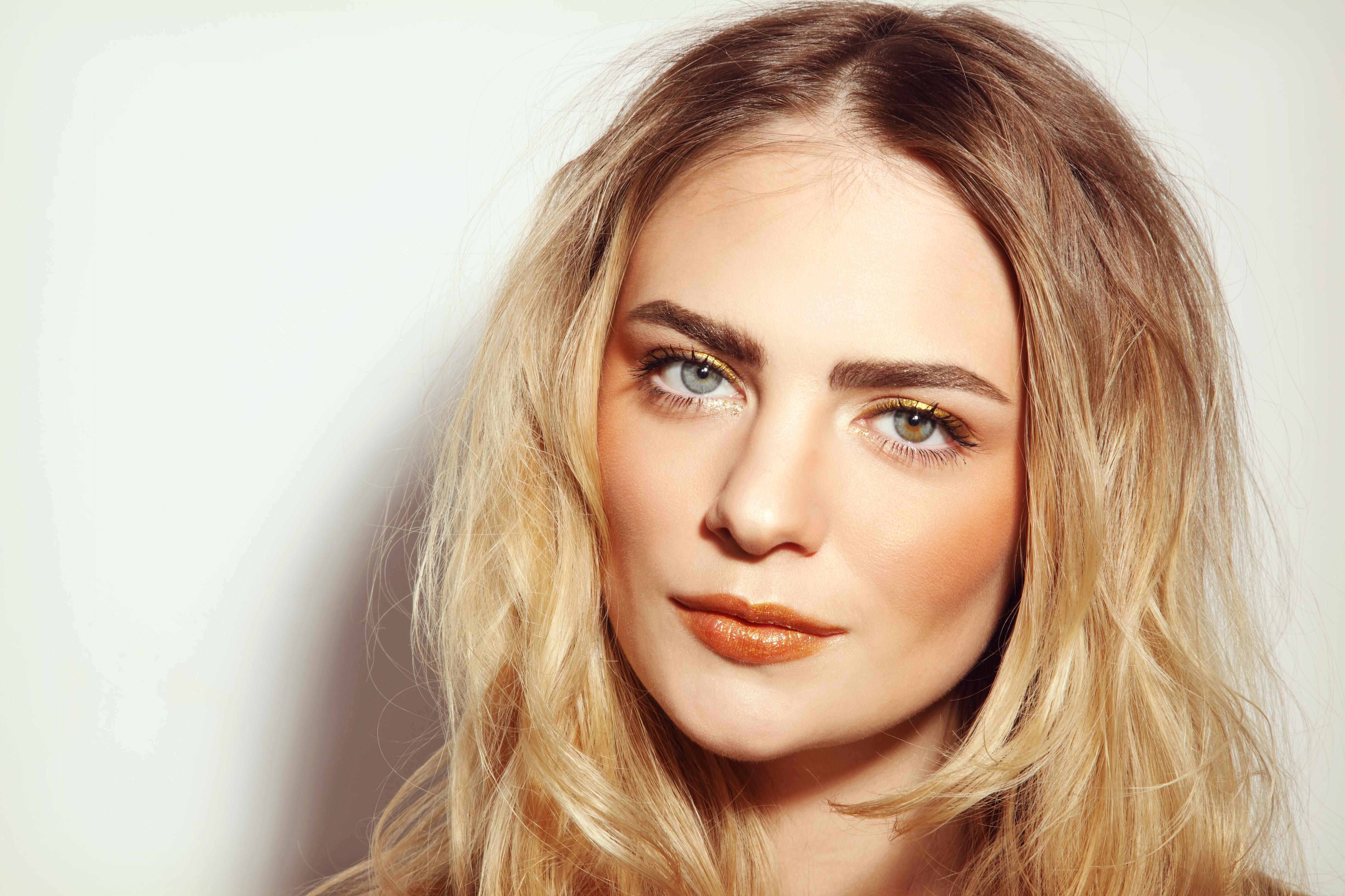 Hay diferentes tipos de maquillaje color bronze