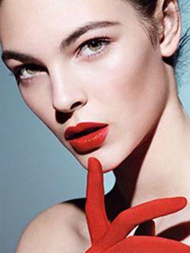 Giorgio Armani centra sus miradas en los labios