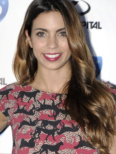 Melissa Jiménez con el cabello con ondas marcadas