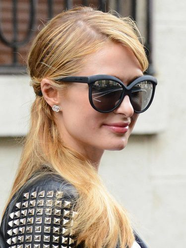 La coleta ladeada de Paris Hilton