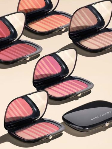 Nueva gama de coloretes 'Air Blush Soft Glow Duo' de Marc Jacobs