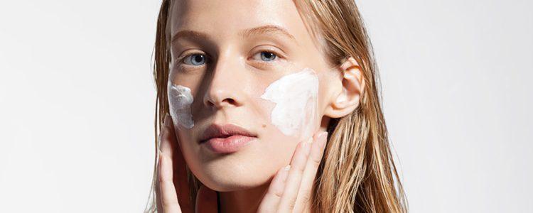 En verano es bueno que descanses por unos días del maquillaje para que tu piel transpire