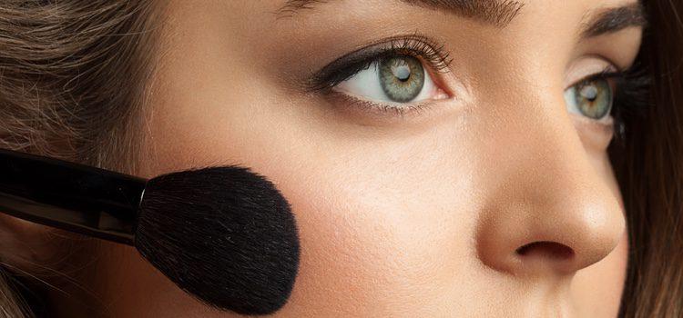 Optar por colores naturales para tus mejillas es la mejor opción