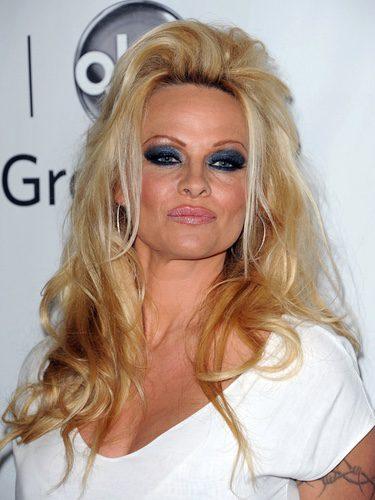 Pamela Anderson con el pelo alocado en una fiesta de Disney ABC