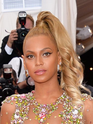Beyoncé con una coleta de péndulo