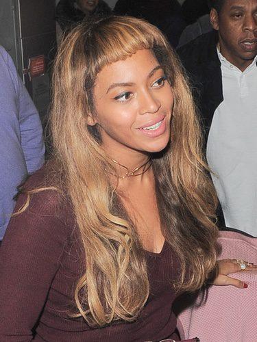 Beyoncé con flequillo