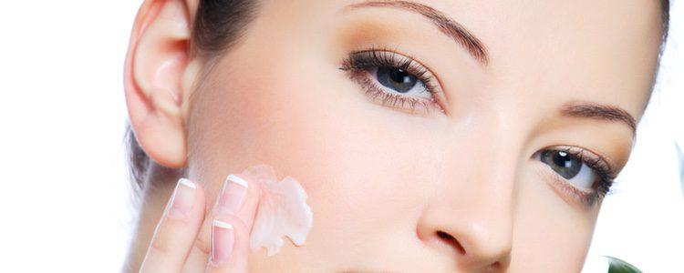 La hidratación de la piel supone una gran pereza para la mayoría de las personas, pero es fundamental